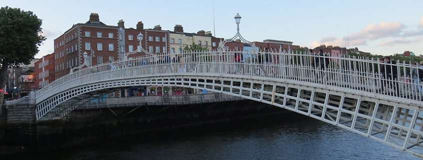 Ha'Penny Bridge a Dublino
