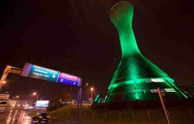 Aeroporto Edimburgo : Global greening quando i monumenti diventano verdi