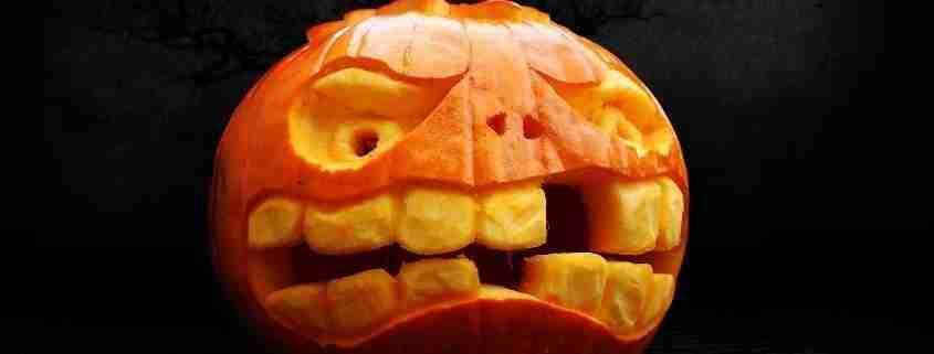 Zucca di Halloween, scolpite