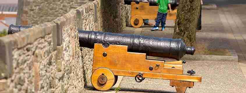 Le antiche mura di Derry