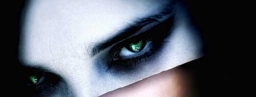 Dettagli occhi Vampira