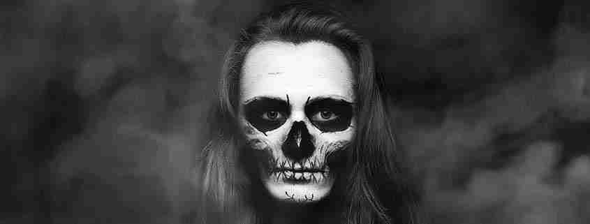 Teschio trucco Halloween ragazza