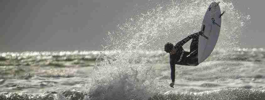 Con le tavole del surf nel Sud Irlanda